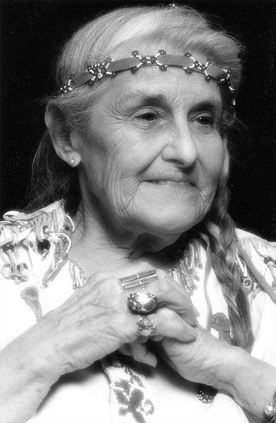 Twylah Nitsch z Klanu Wilka | Źródło: mettanokit.wordpress.com